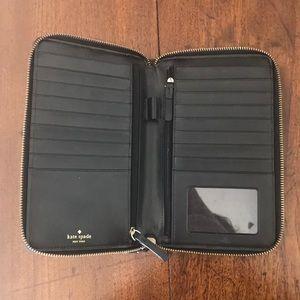 〰️ kate spade travel wallet